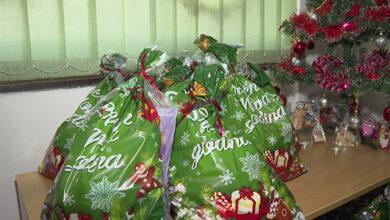 Еко топлане донирале пакетиће вишечланим породицама (ВИДЕО)